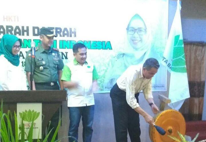 Noorlatifah Pimpin HKTI Banjarmasin