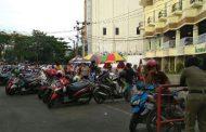 Bulan Ramadhan Dijadikan Kesempatan  Jukir 'Nakal' Naikan  Tarif Parkir