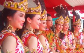 Potret Kecantikan Wanita Dayak di Festival Pesona Budaya Borneo 2