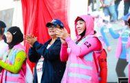 Menteri Yohana : Pecahkan Rekor Menyelam Massal, Perempuan Indonesia Hebat !