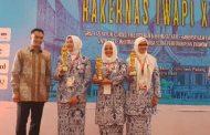 Lagi, IWAPI Kalsel Raih Gelar Teladan di Rakernas XXVIII Padang