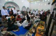 KH Ma'ruf Amin Ziarah ke Makam Datu Kalampaian