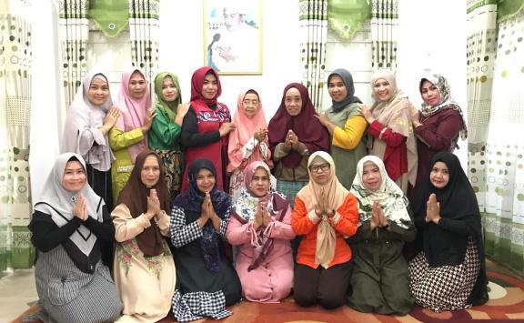 Jalin Silaturahmi, Begini Cara Ibu-Ibu Bangun Keakraban