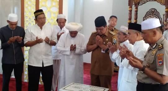 Paman Birin Resmikan Masjid Al-Yaqin Sungai Jingah
