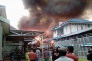 Jago Merah Lahap Belasan Rumah di Banjarmasin Saat Senja