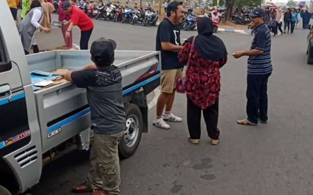 Peduli Kabut Asap, Banjarbaru Juara Bagikan Masker
