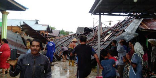 Puting Beliung Hancurkan Puluhan Rumah di Batola dan Martapura