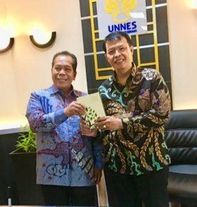 Lelang Utang Negara Picu Fluktuatif Perekonomian Indonesia