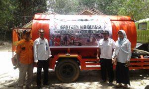 Kintap Gersang, Pemkab Tala Distribusikan Air Bersih