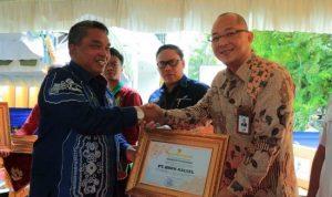 Bank Kalsel Cabang Banjarbaru Sabet 2 Piagam Penghargaan