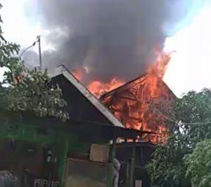 Sekalipun Musim Hujan, Api Tetap Lalap 4 Rumah di Banjarmasin
