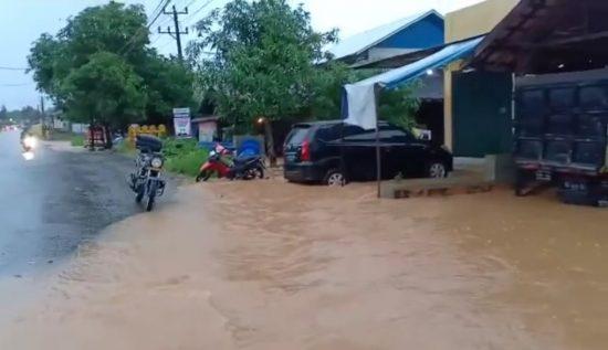 4 jam Hujan Lebat, Cempaka Dilanda Banjir2