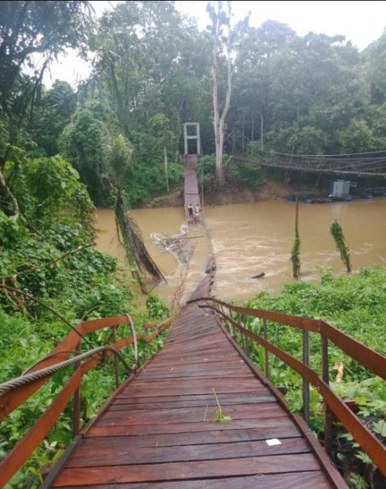 Belum Diresmikan, Jembatan Babayau di Paringin Ambruk3