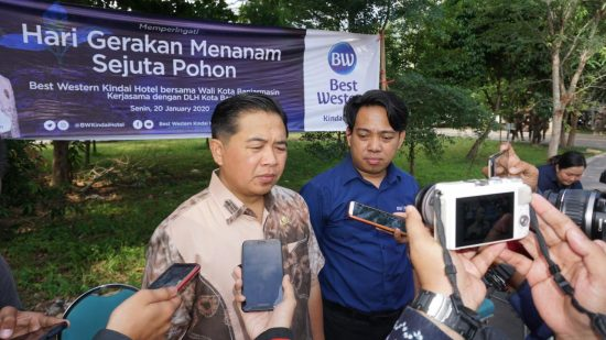Bw Kindai Hotel Bantu Penghijauan Kota Banjarmasin