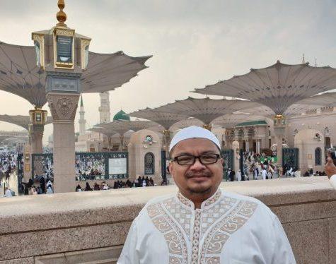 Haji Isam Terima Ucapkan Selamat Milad Dari H Iyun di Tanah Suci