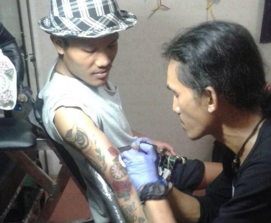 Pebisnis Jasa Tato, Tolak Pelajar Yang Ingin Membuat Tato