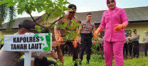 Peduli Lingkungan, Polres Tala Lakukan Penanaman 2000 Pohon