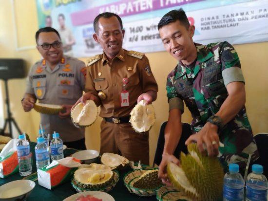 Si Tangkai Panjang, Juara Durian di Kabupaten Tala