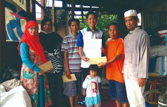 UPZ Bank Kalsel Beri Santunan Korban Kebakara
