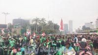 Ribuan Ojol Sambangi Gedung DPR RI, Tuntut Pelegalan Ojek Online Jadi Angkutan umum