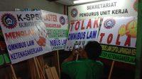 Ribuan buruh yang tergabung dalam Konfederasi Serikat Pekerja Seluruh Indonesia (KSPSI)