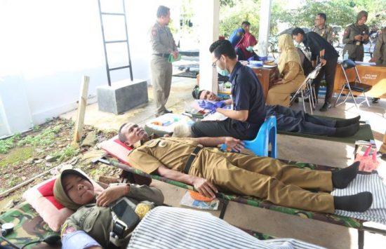 Stok PMI Menipis, Bupati Tanah Laut Ikut Donor Darah1