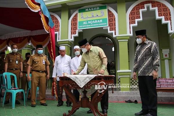 Bupati HSS Resmikan Satu-satunya Masjid di Desa Kayu Abang