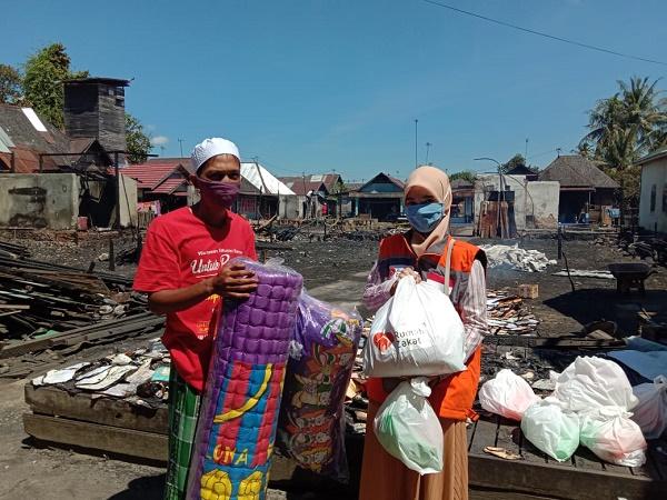 Rumah Zakat Kalsel Bantu Korban Kebakaran di cempaka Banjarbaru