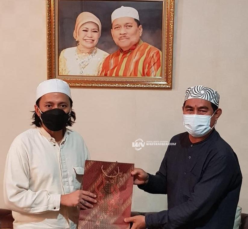 Didukung Hasnur Group, PWI Kalsel Bagikan Sembako Kepada  425 Anggotanya