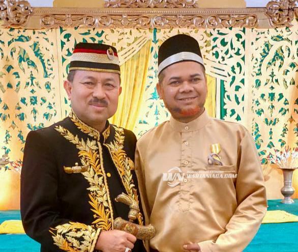 Tokoh Muda HSU Mendapat Gelar Kehormatan dari Kesultanan Banjar
